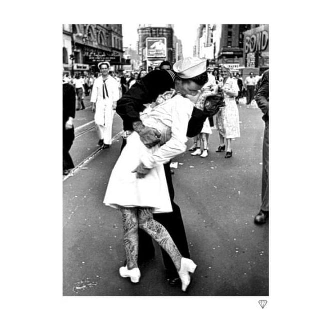 JJ Adams - VJ Day Kiss